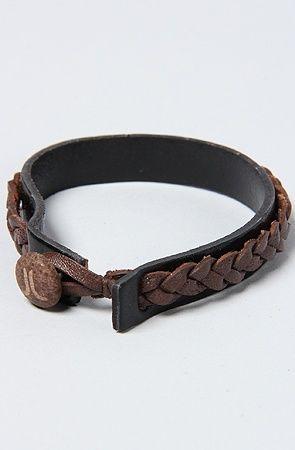 Mens bracelet More Δερμάτινα Είδη ... 09625f057d2