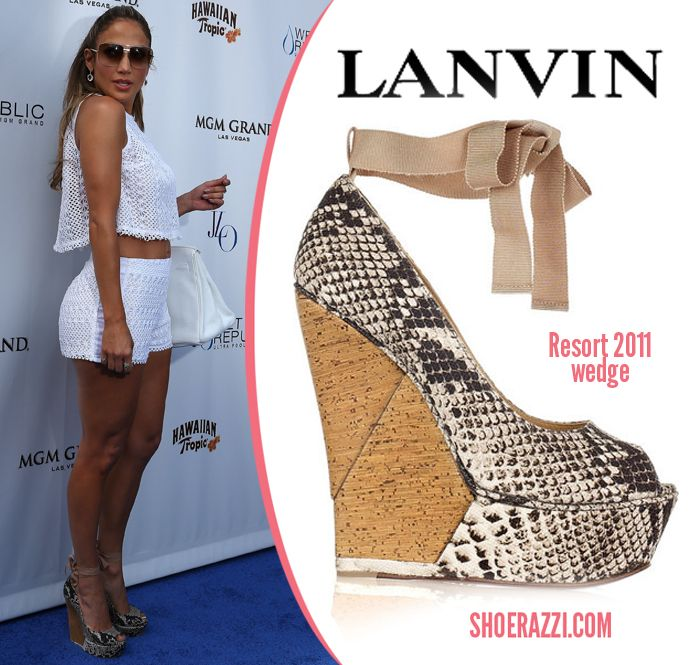 a3ae4f357fa Jennifer-Lopez-Lanvin-wedge-August-2012