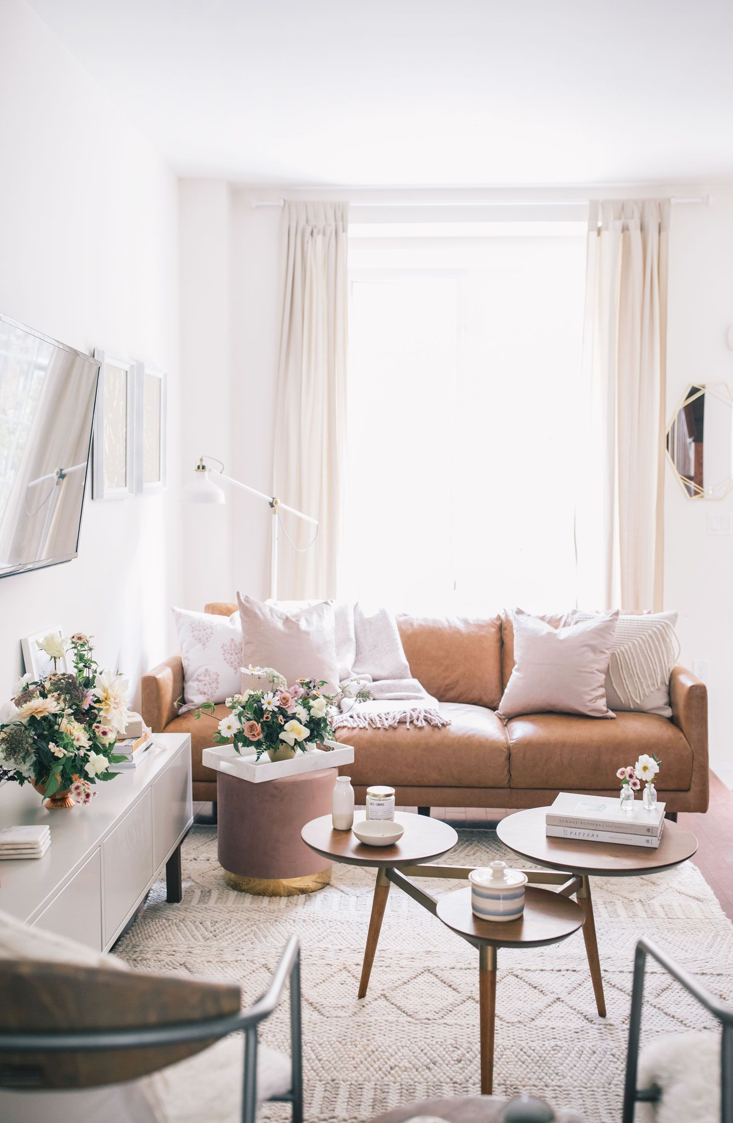 How To Create Your Very Own Living Room Sanctuary The Blonlocks Life Style