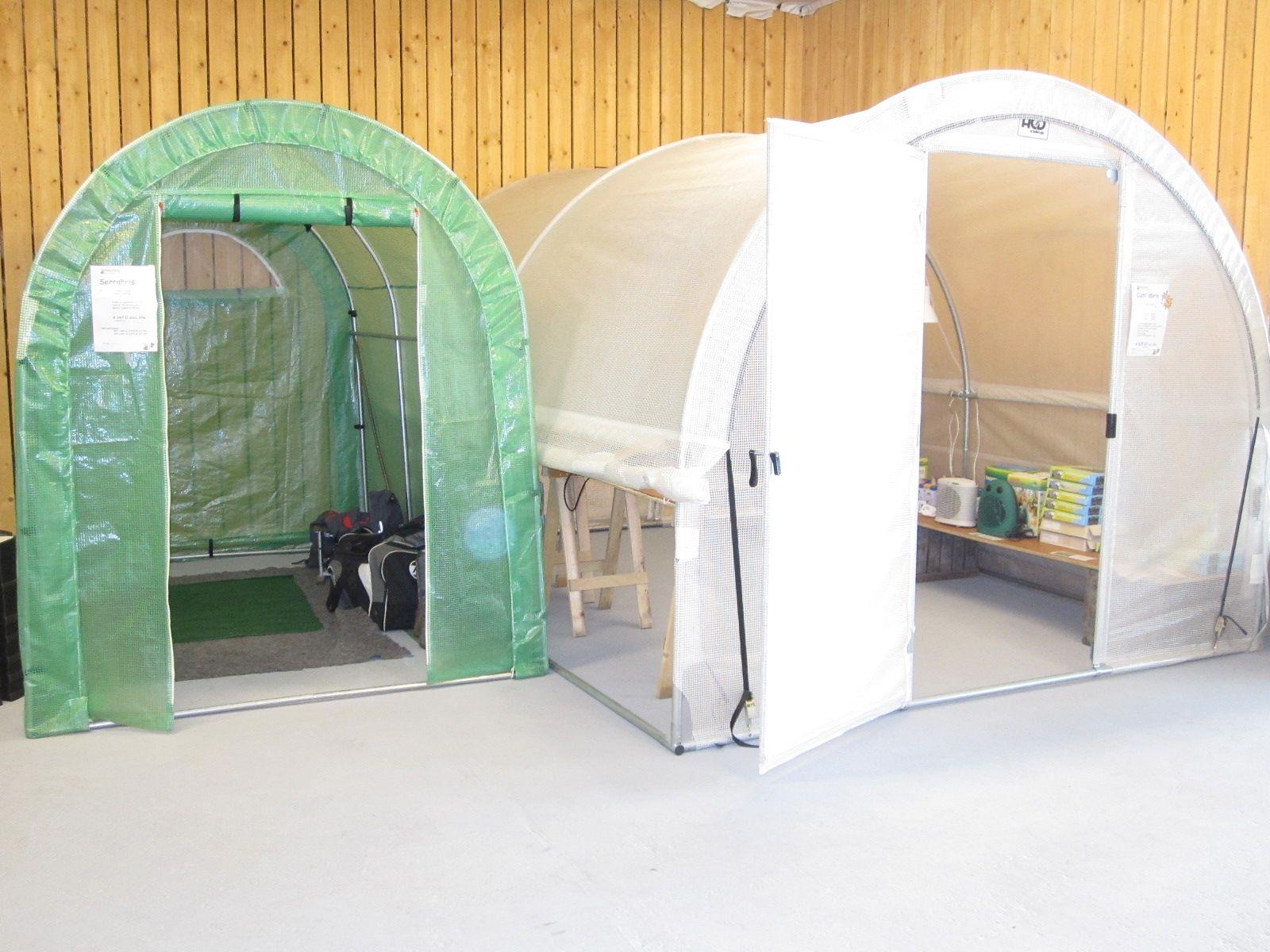 Foliekassen. Serrabris 2 x 3 m en de Culti'abris luxe. 3 x4 m.http://www.hazenbergtuinkassen.nl/product-details/standaard/acd-serrabris-200-cm-breed/b13g1c29o1350/