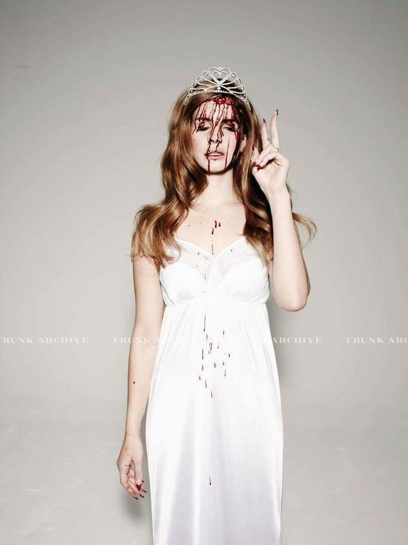 Lana Del Rey As Carrie Carrie Halloween Costume Rey Costume Beautiful People