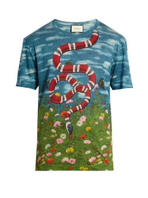 e683ee51c5b Gucci Sky and garden-print linen T-shirt