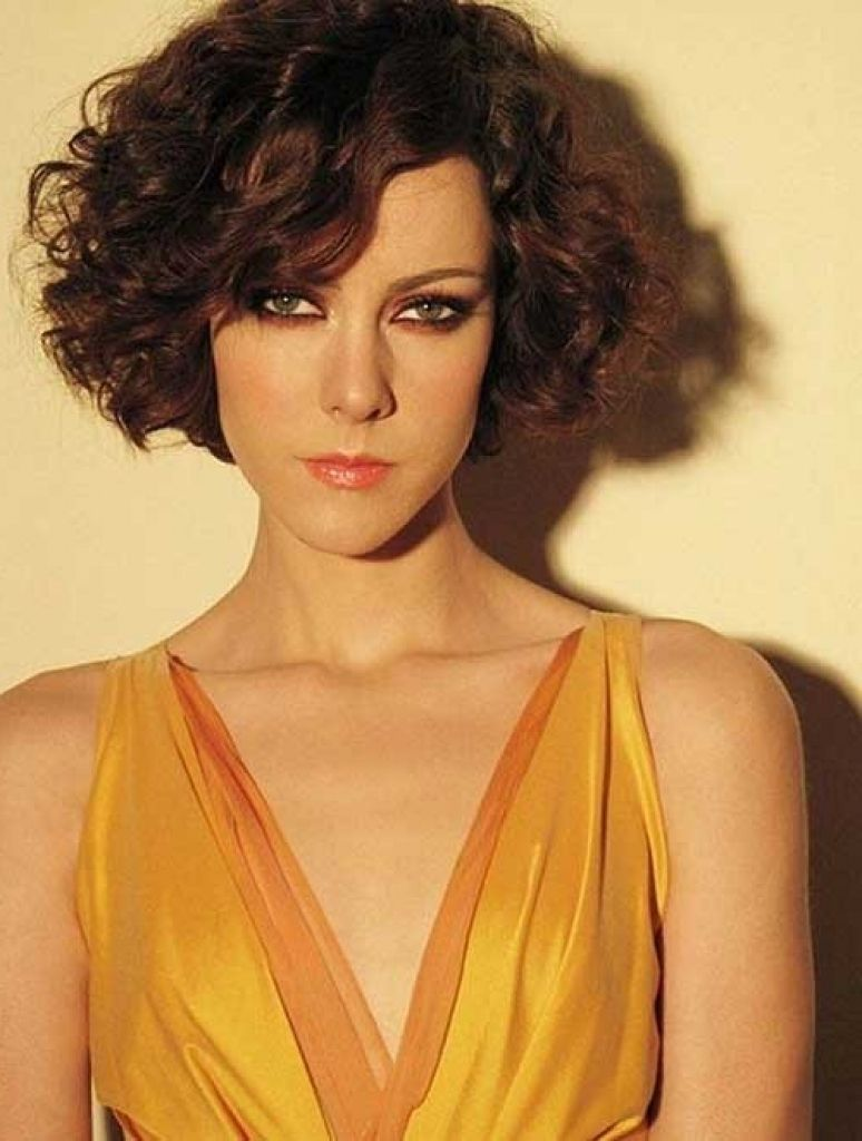 Short Curly Haircuts For Long Faces Short Curly Haircuts For Long