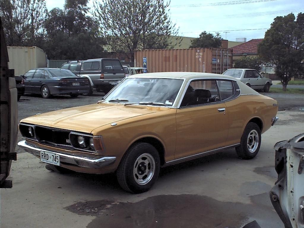 Datsun 180b SSS coupe with that vinyl top, par for the