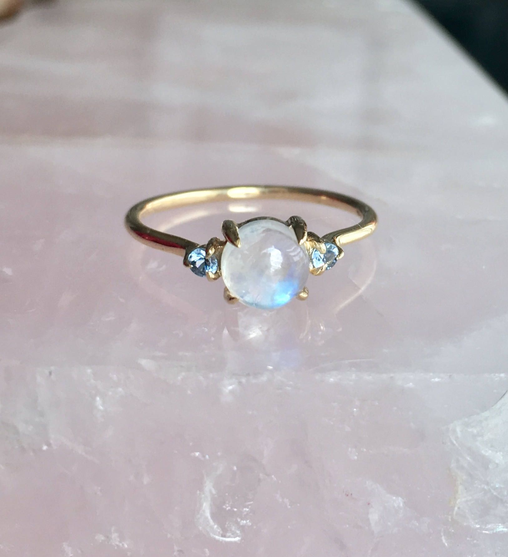 White Flower Ring Moonstone Ring Dainty Flower Ring Rainbow Moonstone Solid Silver Ring Flower Ring Daisy Ring Vintage Ring Sapphire