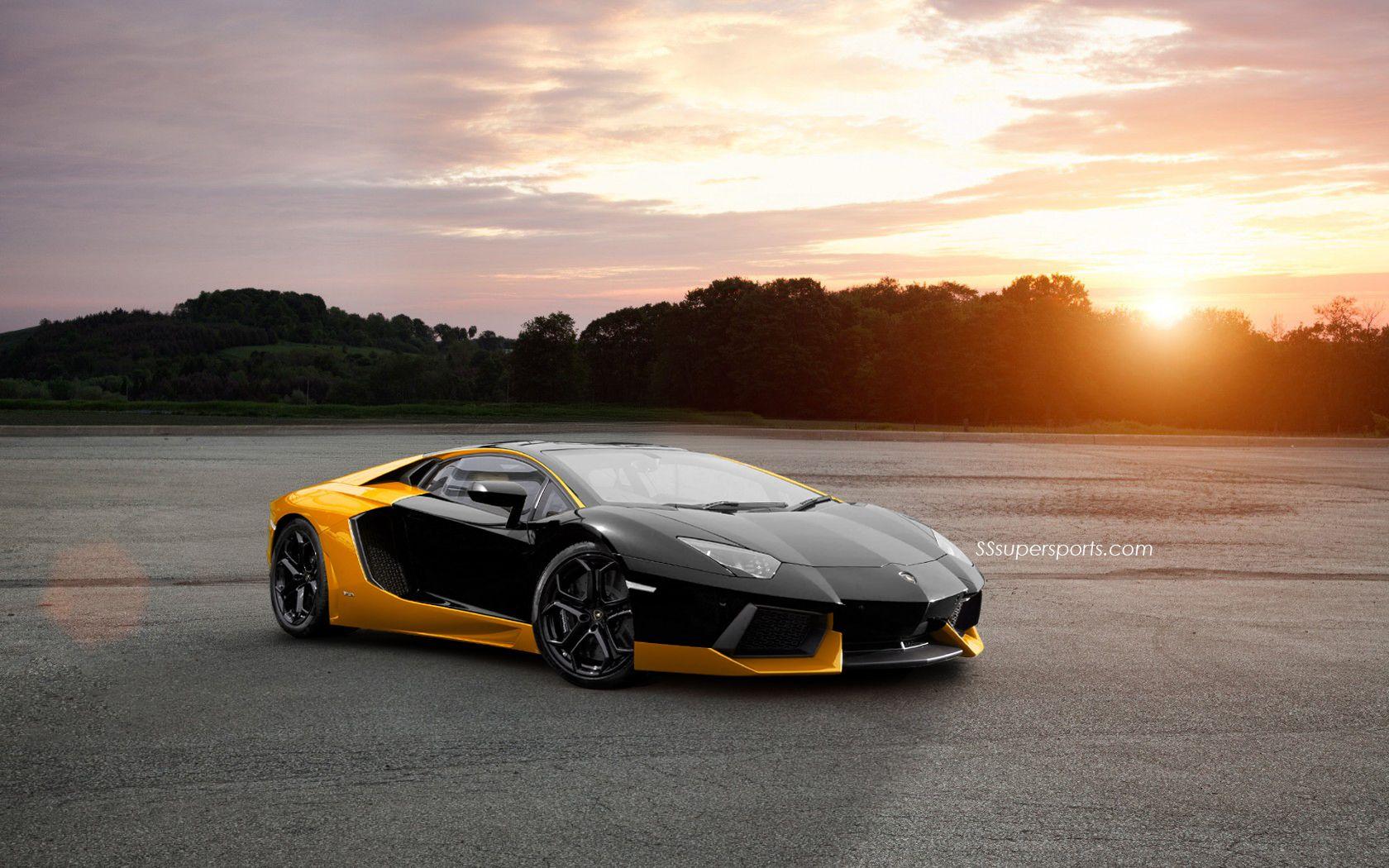 Lamborghini Aventador Landscape Wallpaper