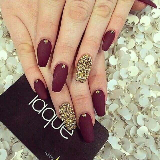 Uñas vino | uñas | Pinterest | Diseños de uñas, Uñas con piedras y ...