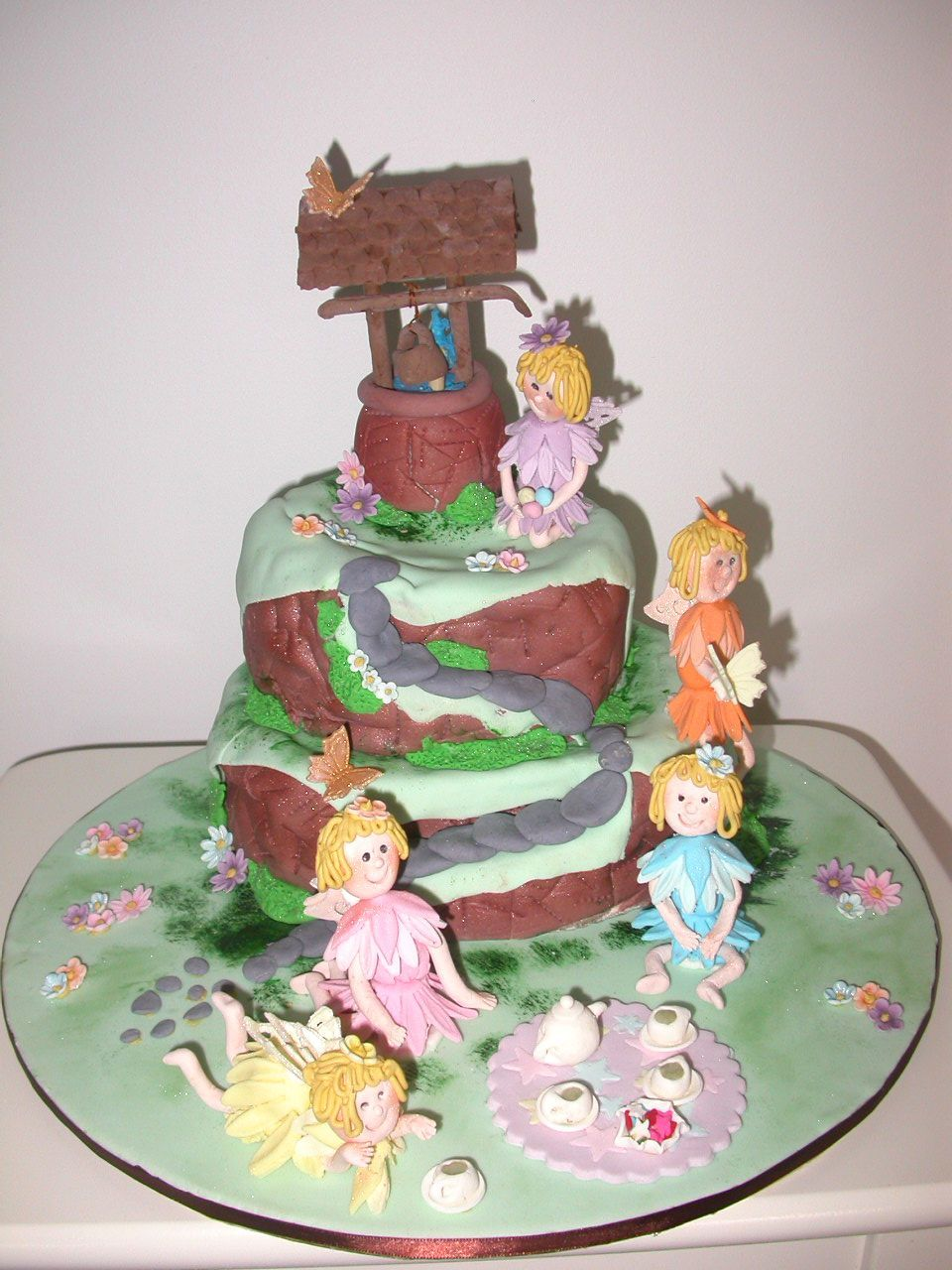 Recent class - Fairy Wishing Well - cake decorated by ...