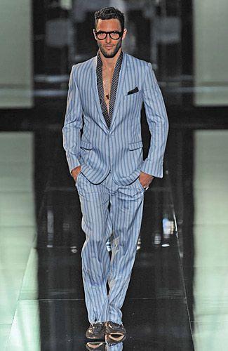 <3 Dolce & Gabbana »  Spring 2009 RTW & Menswear.  This rocks