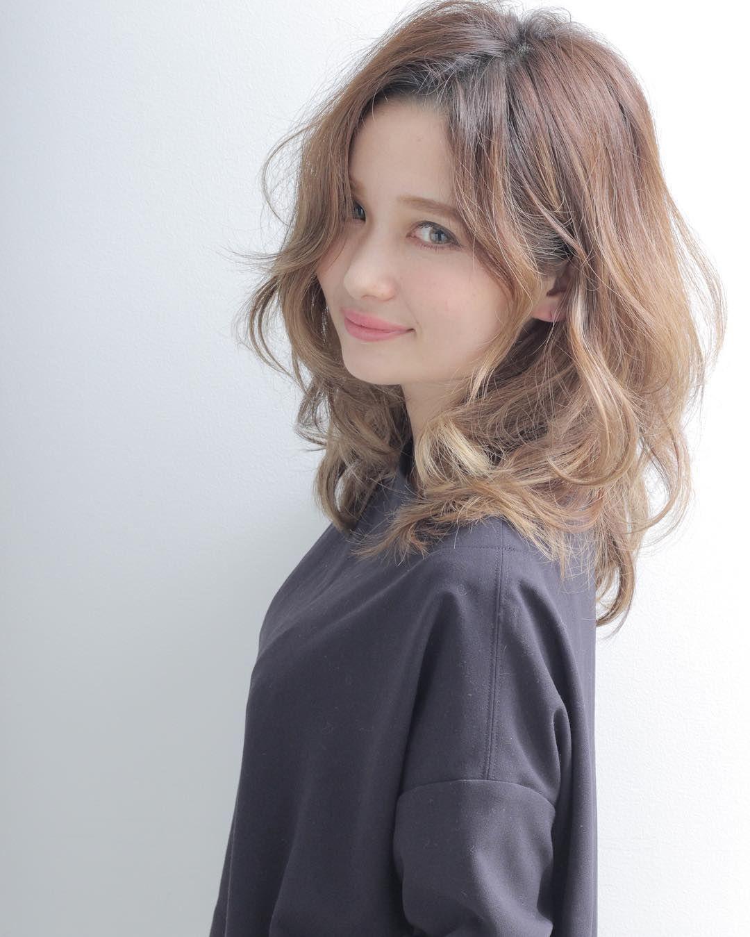 髪型はセミロングがおすすめ 可愛らしく女性らしい雰囲気を作ろう Folk 髪型 ロング パーマ ロングパーマ 髪型 ミディアム パーマ