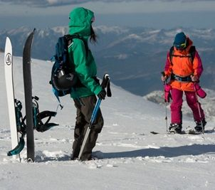 #splitboarding - touring with a #snowboard | #lyoness | Try now: https://www.lyoness.com/branche/sports-recreation