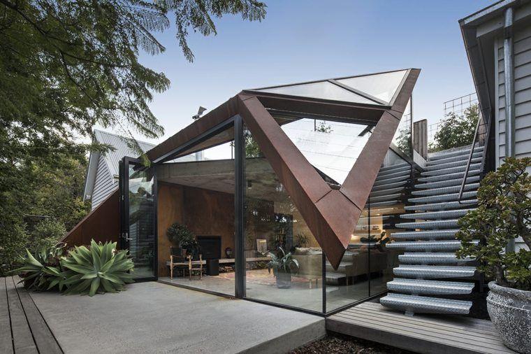 Maison Avec Toit En Verre Et Petit Jardin Devant Conception Impressionnante