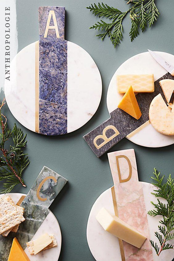 We know that cheese and crackers at the end of a dinner party is a must have. So..., #cheese #crackers #dinner #Party  manos