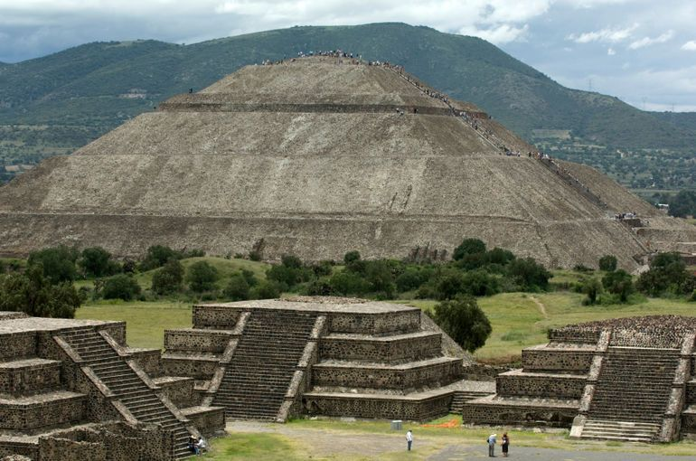 Pyramid Of The Sun Teotihuacan Outside Of Mexico City With Images Teotihuacan Teotihuacan Pyramid Mexico Travel
