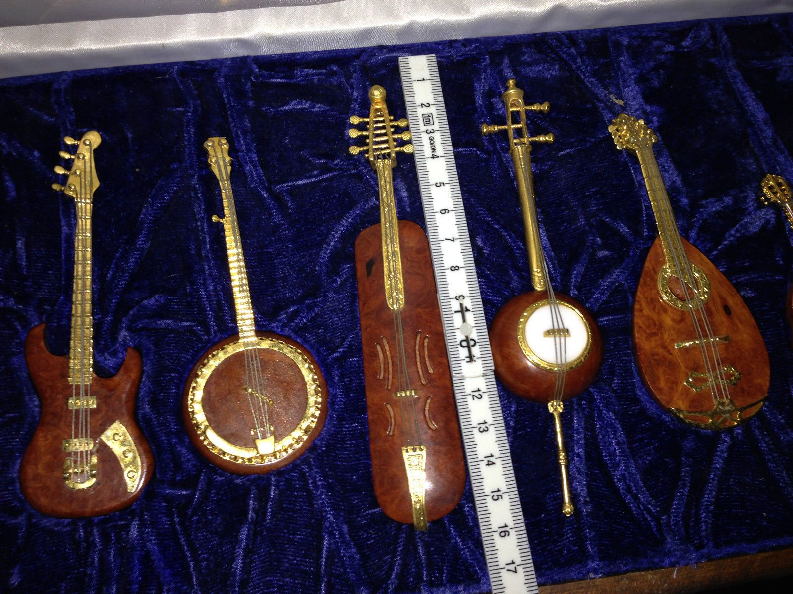 9 Instrumente Gitarre Streichinstrumente Echtholz Koffer Holzkoffer Samt