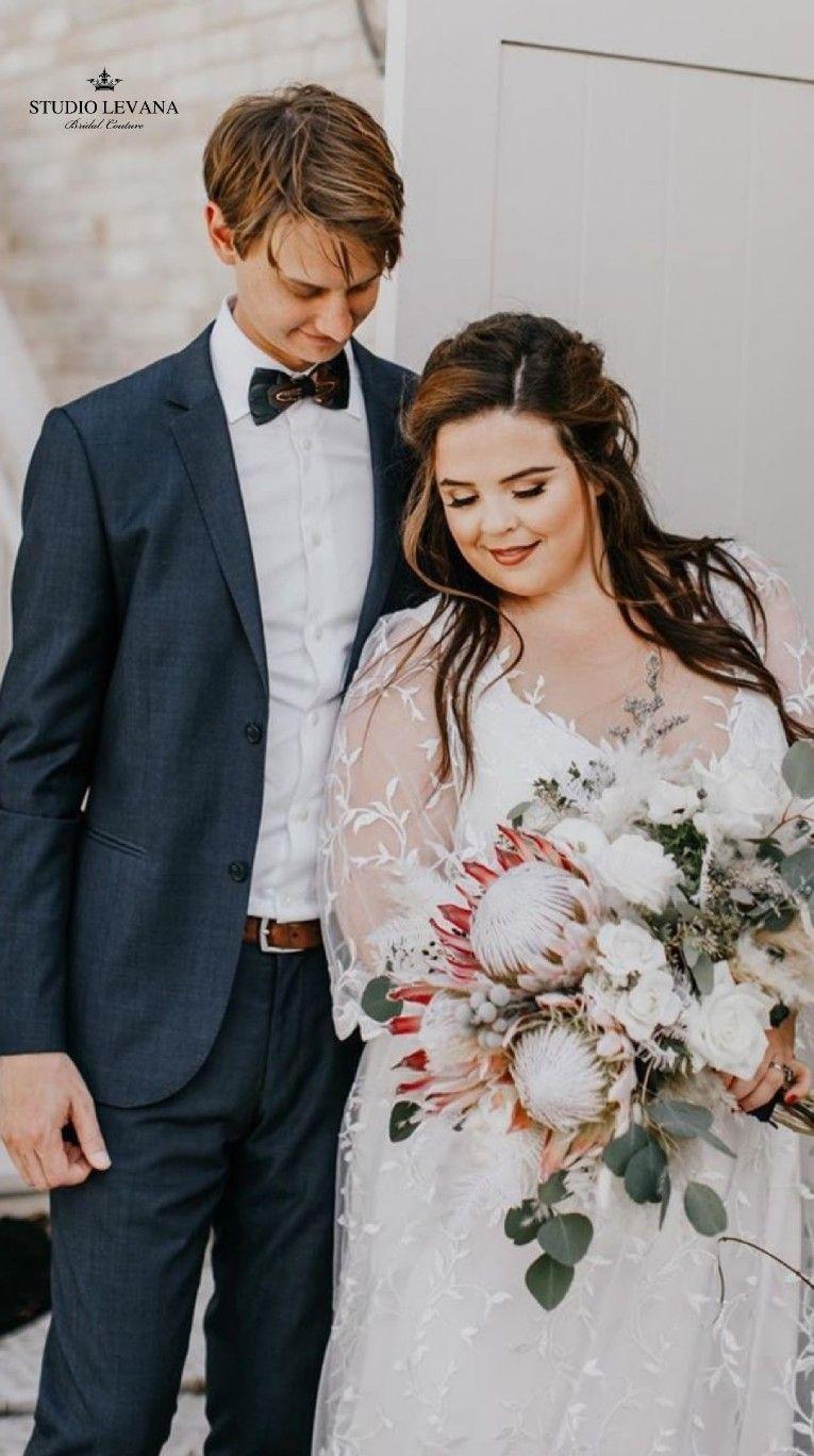 Romantic Bohemian Wedding The Curvy Bride Is Wearing Rustic Plus Size Wedding Dress By Studio Levana Wedding Wedding Photos Poses Curvy Bride [ 1368 x 765 Pixel ]