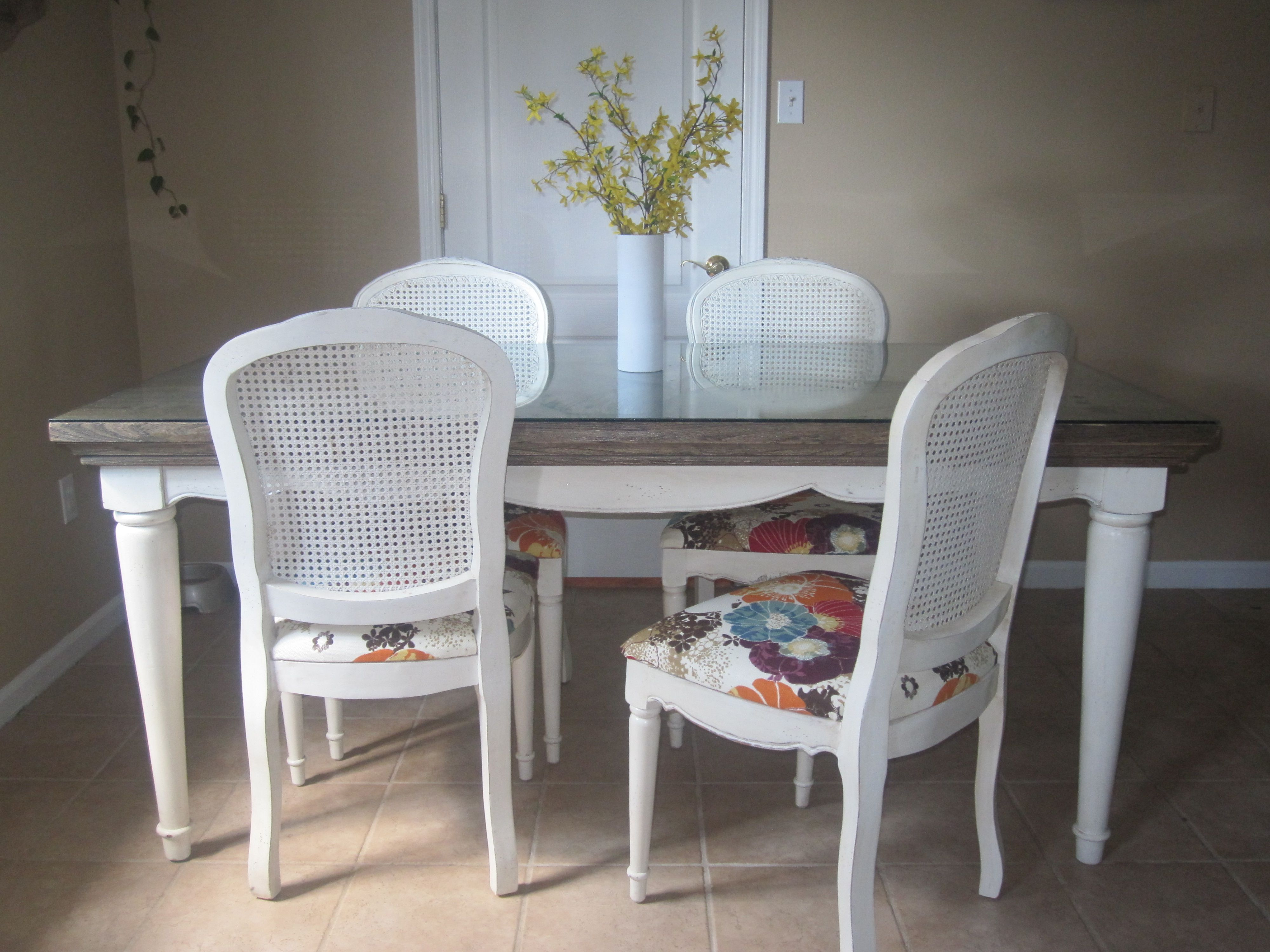 Charmant Stylish Repainted Long Square Wooden White Base Gray Dining Table And White Dining  Chairs In Modern