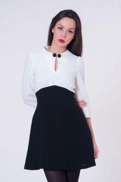 ae33de8458544 Vestido de vuelo blanco y negro  invitadasboda  vestidoscortos   vestidosfiesta  nochevieja http