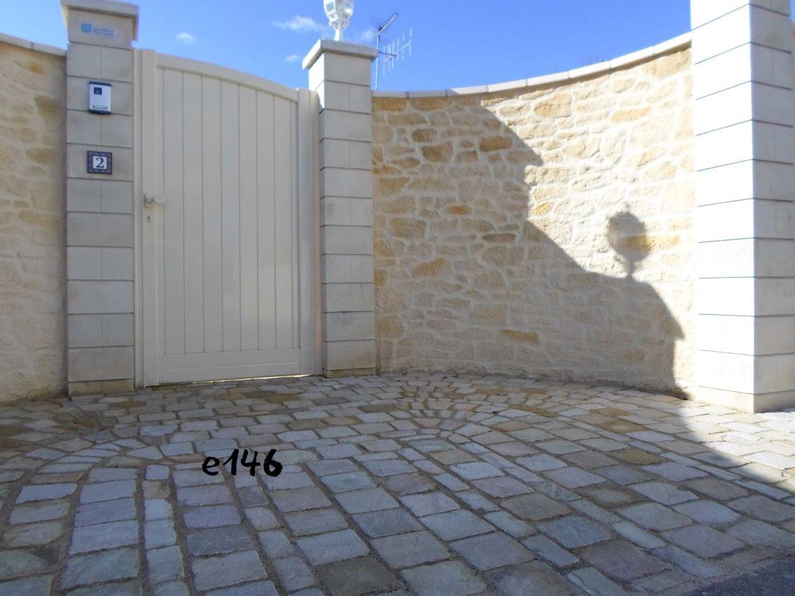 muret en pierre imitation en enduit sculpt d co pierre imipierre sarl souvent imit. Black Bedroom Furniture Sets. Home Design Ideas