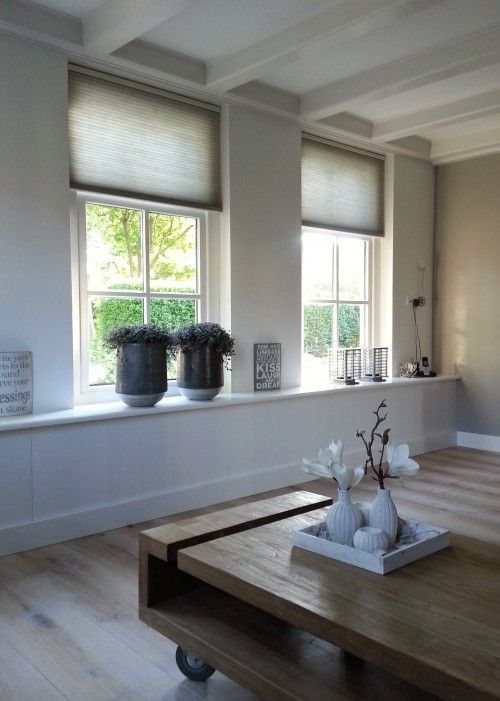 Brede vensterbank en Duette gordijnen | interior design ...