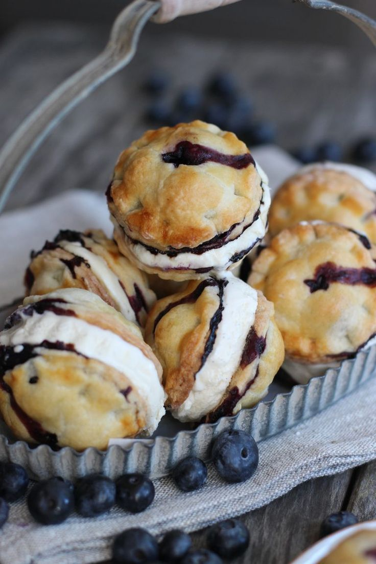 Blueberry Pie Ice Cream Sandwiches #icecreamsandwich
