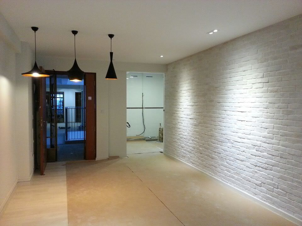 White Brick Wall With Downlights Sam And Lin 39 S Spaces
