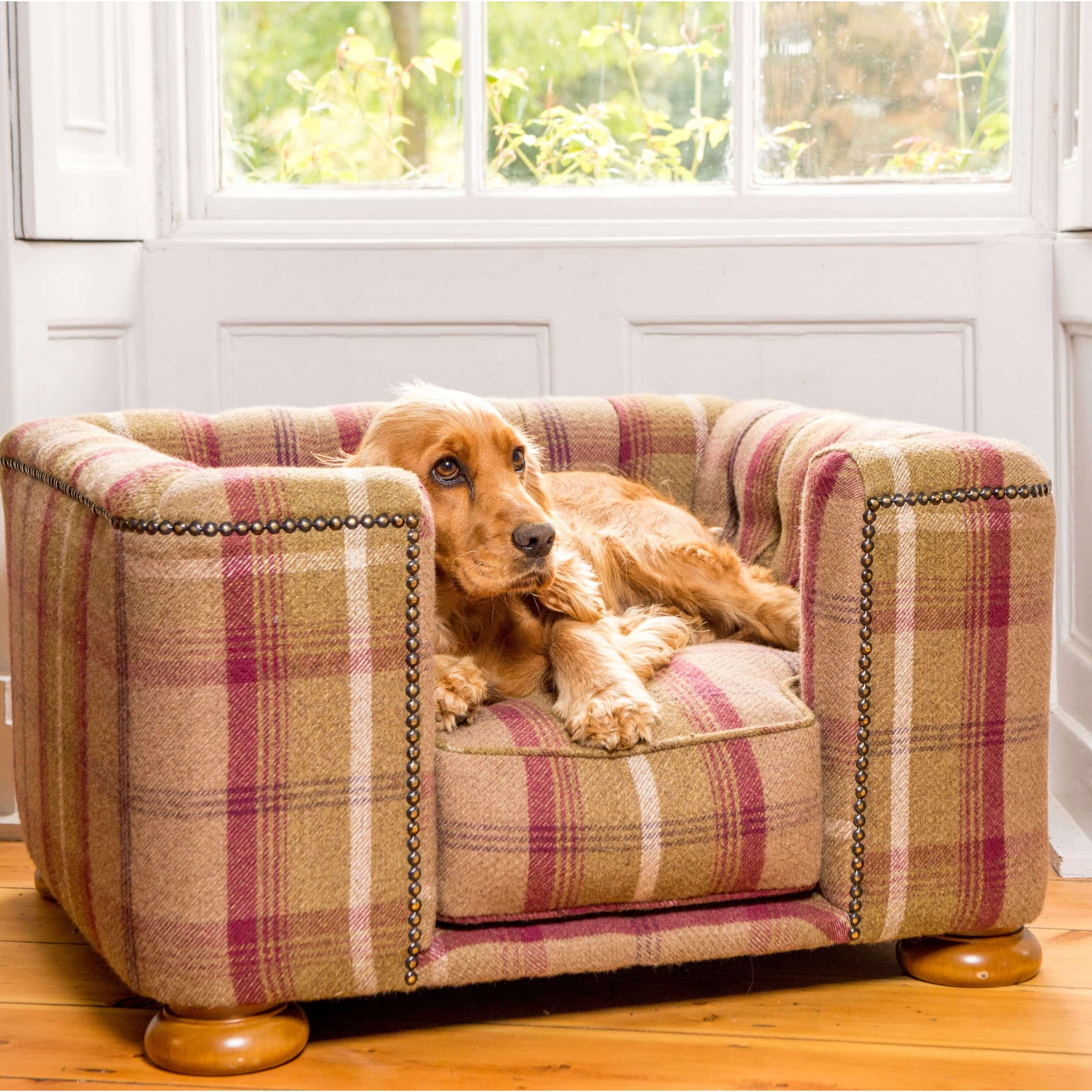Tetford Square Chesterfield Dog Bed In Balmoral Tweed Dog Bed