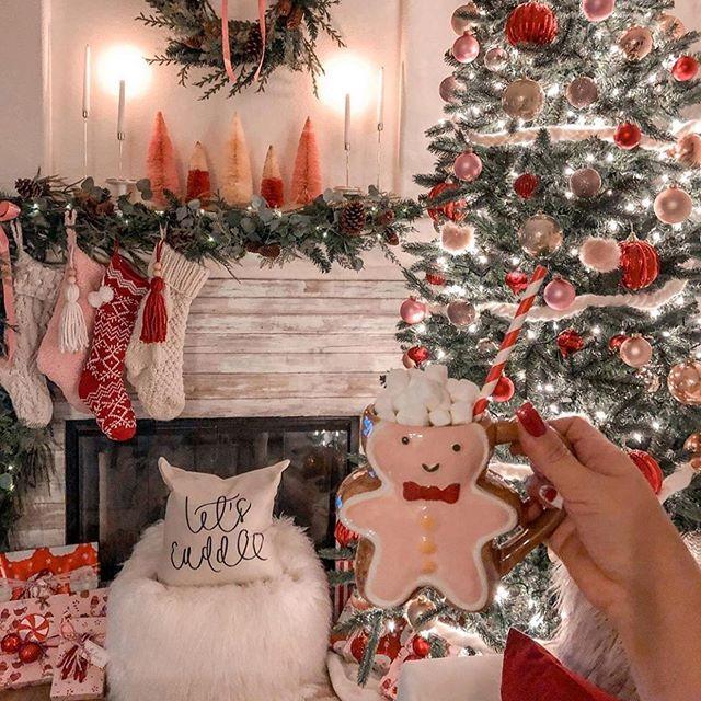 Christmastree Hashtag On Instagram Photos And Videos In 2020 Farmhouse Christmas Decor Farmhouse Christmas Christmas Decorations