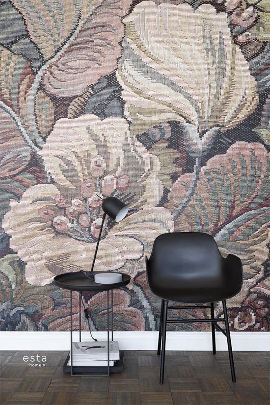 Creëer thuis je eigen zen-oase met ESTAhome's nieuwste collectie Blush. In Blush vind je elegante Japanse motieven zoals sierlijke aquarelgeschilderde kersenbloesems, origami-, bamboe- en geometrische kikko-patronen die voor een serene en harmonieuze sfeer zorgen.