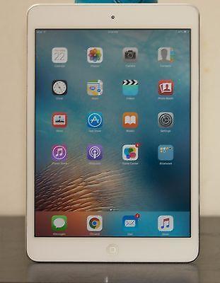 Apple iPad mini 1st Generation 16GB Wi-Fi 7.9in - White & Silver https://t.co/cg1chBoZnb https://t.co/M7IEeuxfv8