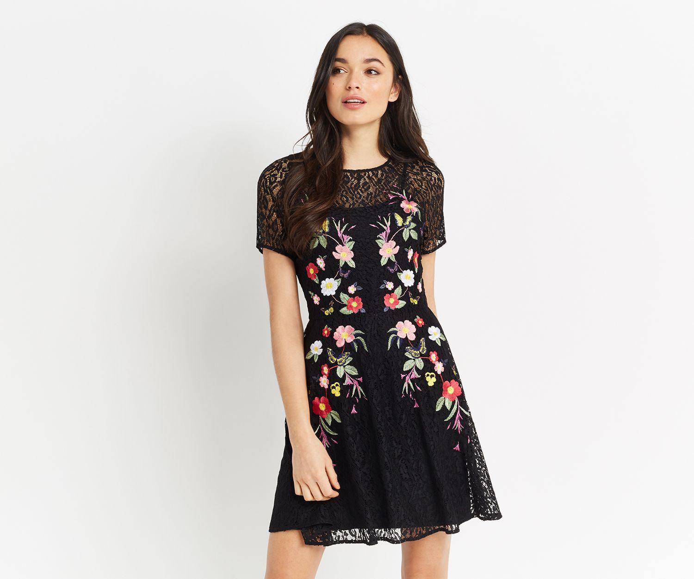 EN FOCUS STUDIO Black Lace Rose Embroidered Dress