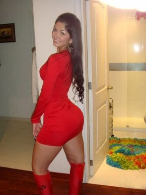Davalos Twins - Lady in red #booty