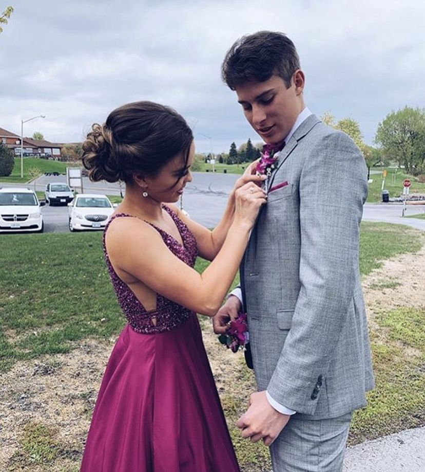 Pin by Nat on PROM 2020 AND 2021   Backless dress formal ...