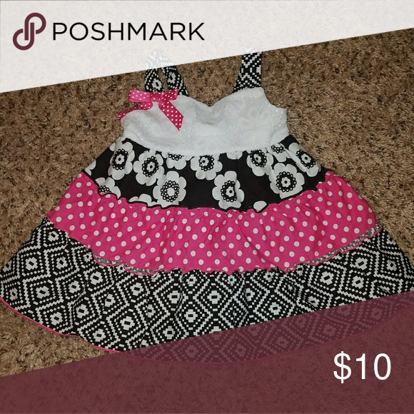 Bonnie Baby Dress Could be worn as a dress or a longer top with white or black bloomers :) Bonnie Baby Dresses Casual