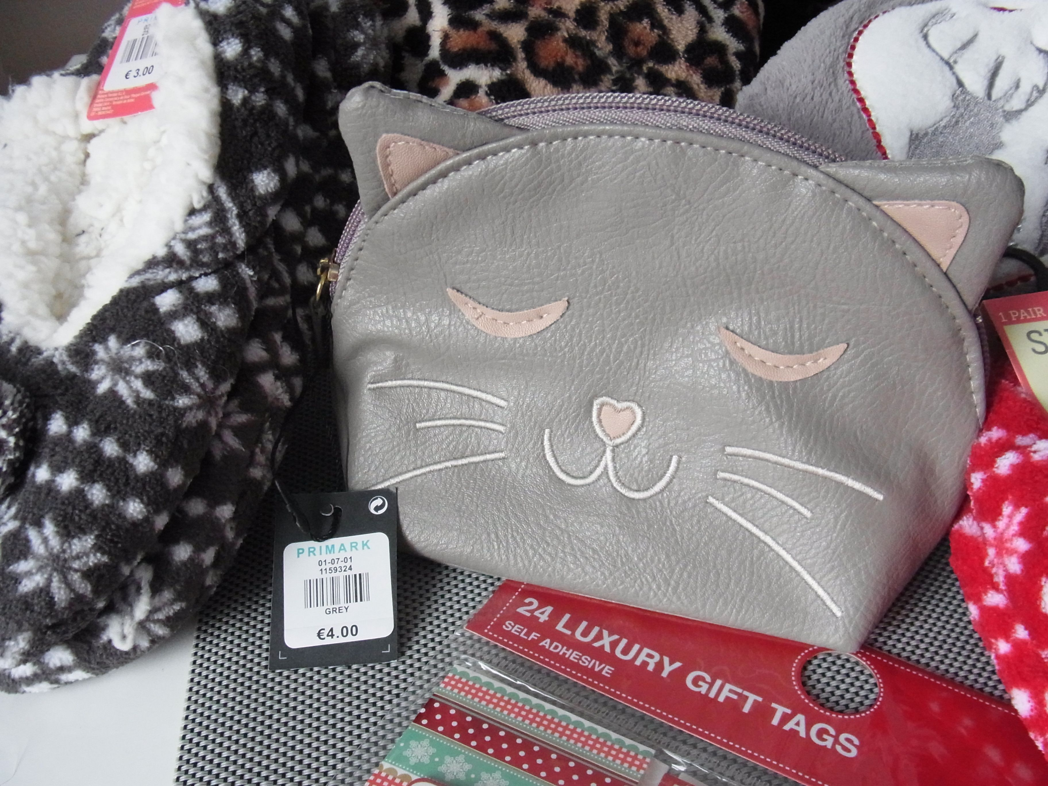 Primark Cosmetic Bag Cat Cute! Luxury gift tags, Cat