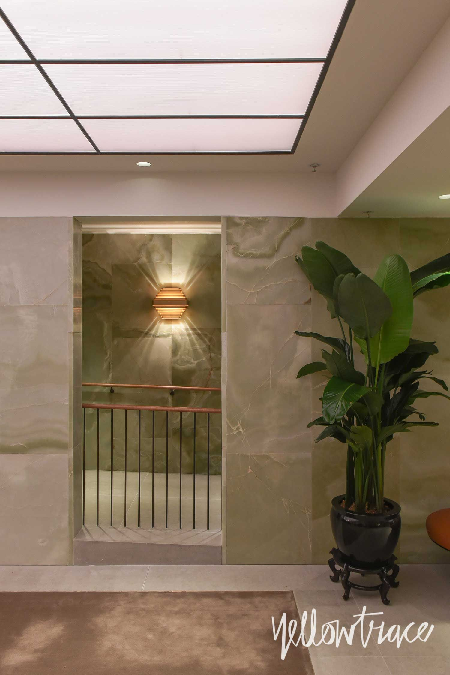 Cathay Pacific\'s The Pier First Class Lounge in Hong Kong ...
