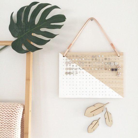 suspendue porte boucle d oreille cuir cuivre clous en bois post affichage mural de rangement. Black Bedroom Furniture Sets. Home Design Ideas