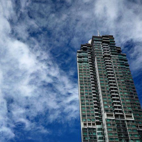 http://ift.tt/26nltoG  zirosou:  clouds #hongkong #discoverhongkong #leicaq #  #dance #hongkong #ballet