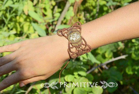 Hada Tribal Macrame pulsera / pun o con Coral por PrimitiveCraft