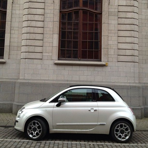 Fiat Fiat500 Pearl White Car Stniklaas Com Imagens Fiat