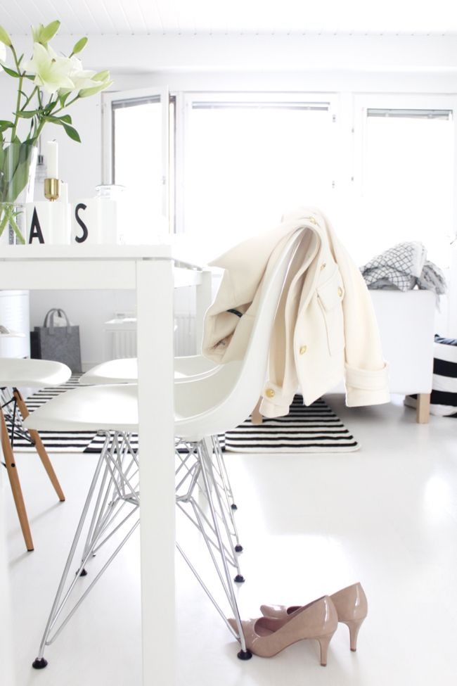 Summer home | Eames | Soft white style | Design Letters