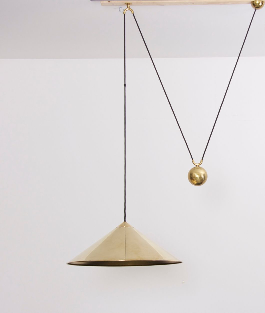 Florian schulz keos extra large counterweight pendant lamp brass florian schulz keos extra large counterweight pendant lamp brass mozeypictures Image collections