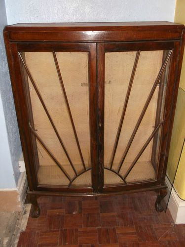 1920s Mahogany And Glass Bow Front Display Cabinet On Ball Claw Feet