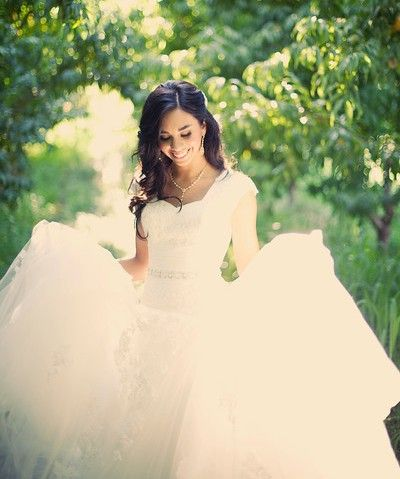 Winsome Elegance - Modest Wedding Gown  Absolutely Beautiful !   This is a great dress for a great day at the temple