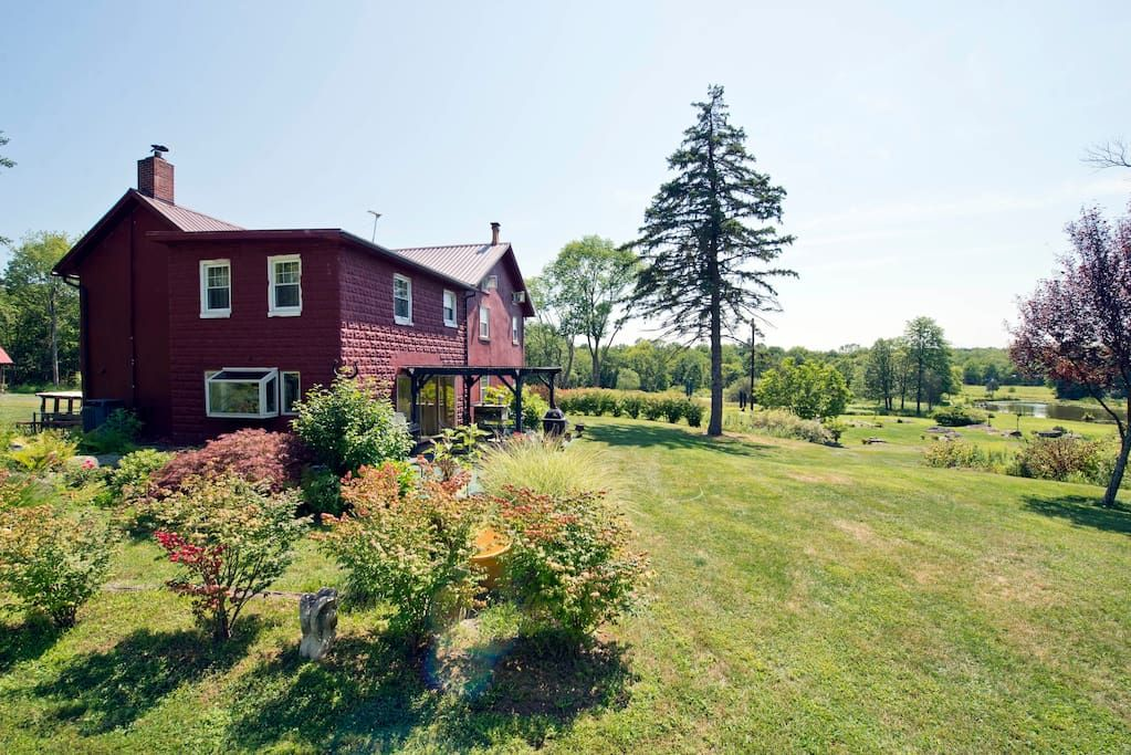 Check Out This Awesome Listing On Airbnb Boulder Ridge Farm Houses For Rent In Sellersville Farm Stay Ridge Farm Bouldering