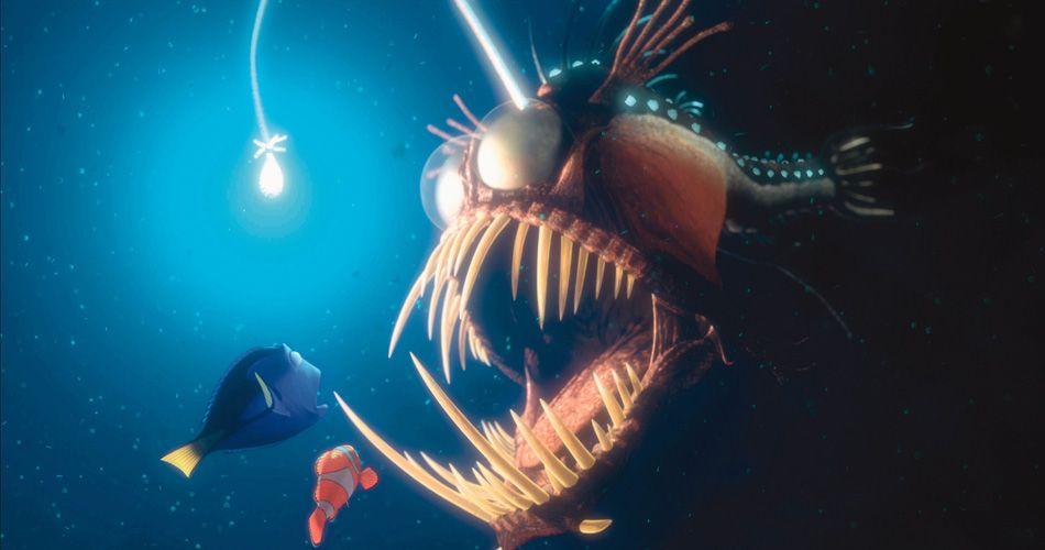 Das meer birgt bizarre gefahren i findet nemo in disney for Nemo light fish