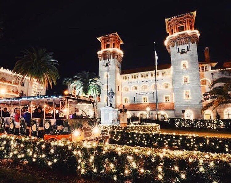 St Augustine Lights Up During December Don T Miss A Dreamy Nightly Tour With Oldtowntrolley 904happyhour Tours Ferry Building San Francisco Old Town
