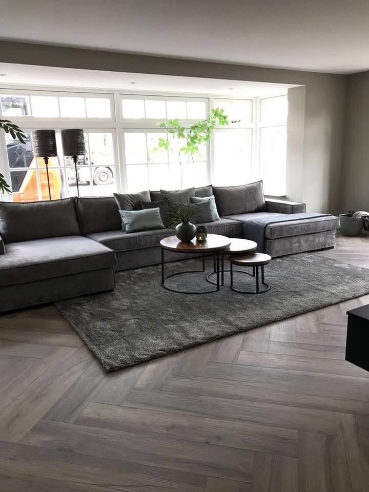Grijstinten, donkere vloer | Inrichting | Pinterest - Huiskamer ...