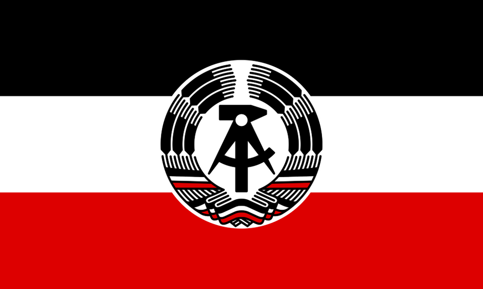 This Flag On R Vexillology Would Sure Make For A Pretty Socialist Prussian Republic Flag Kaiserreich Flag Art Old German Flag Unique Flags