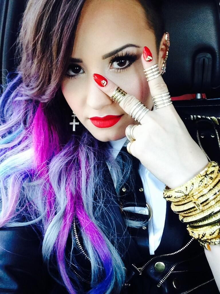 Demi Lovato On Hair Beauty Pinterest Makeup And Pedicures